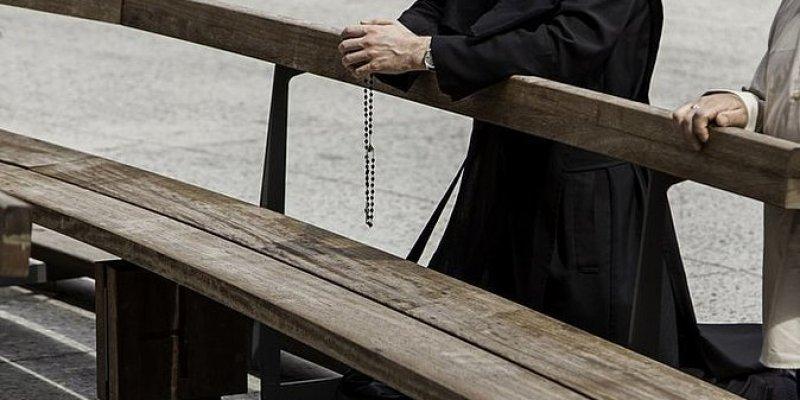 Fala samobójstw irlandzkich księży