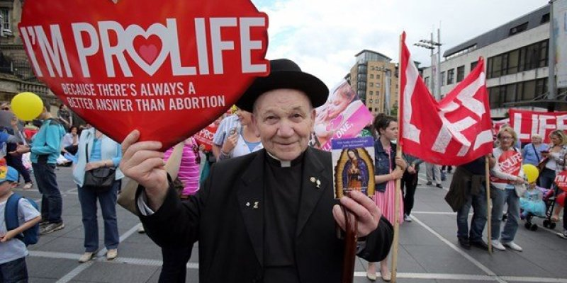 Irlandia Płn. zachowa prawo antyaborcyjne