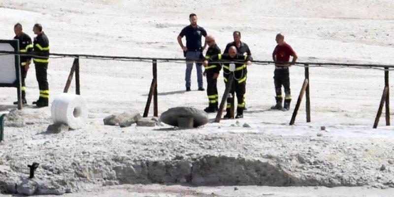 Trzyosobowa rodzina wpadła do krateru pod Neapolem
