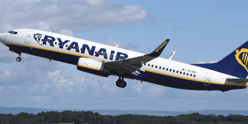 Ryanair masowo odwołuje loty