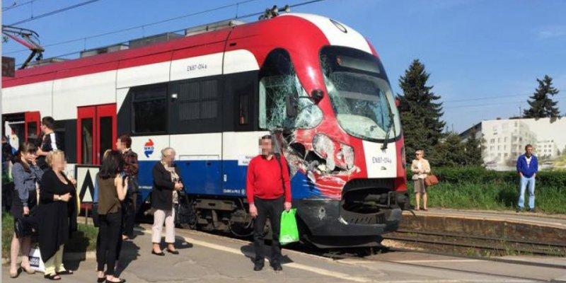 Sześc osób rannych w wypadku pod Warszawą