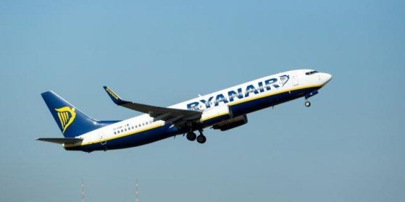 Ryanair odwołał kolejnych 18 tys. lotów, w tym z Polski
