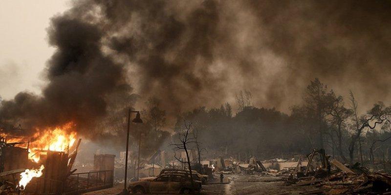 Gigantyczne pożary w Kalifornii