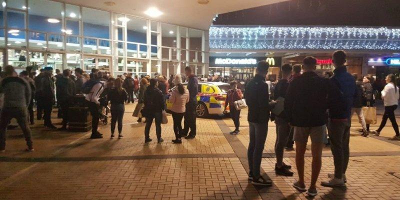 Ewakuacja centrum handlowego w Dublinie