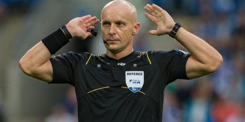 Szymon Marciniak poprowadzi w Dublinie barażowy mecz Irlandii z Danią