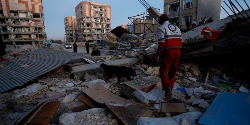 Już ponad 400 ofiar trzęsienia ziemi w Iranie