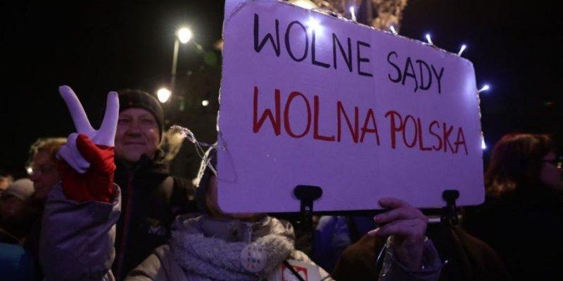 W całej Polsce protesty przeciwko zmianom w sądownictwie