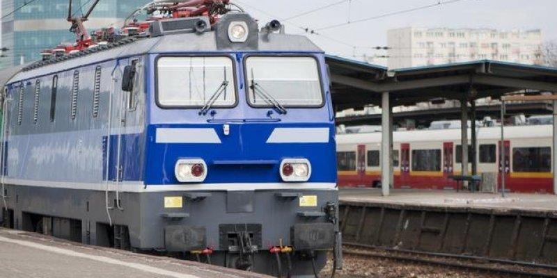 Pociąg Kraków - Warszawa zatrzymany z powodu pasożytów