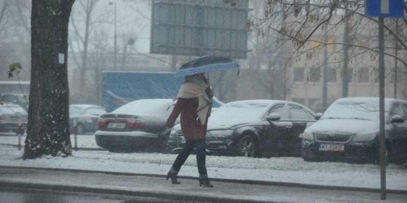 Śnieżyce nad Polską - 292 tys. odbiorców bez prądu