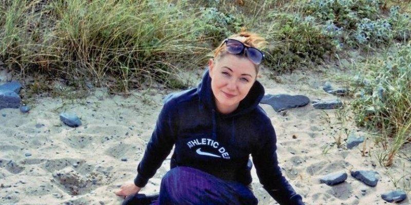 Polka skazana w Irlandii na dożywocie zbiera na obrońcę malując obrazy