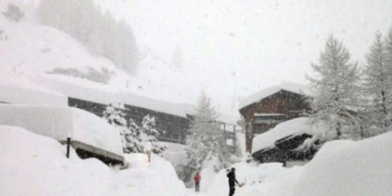12 tys. ludzi uwięzionych w Alpach