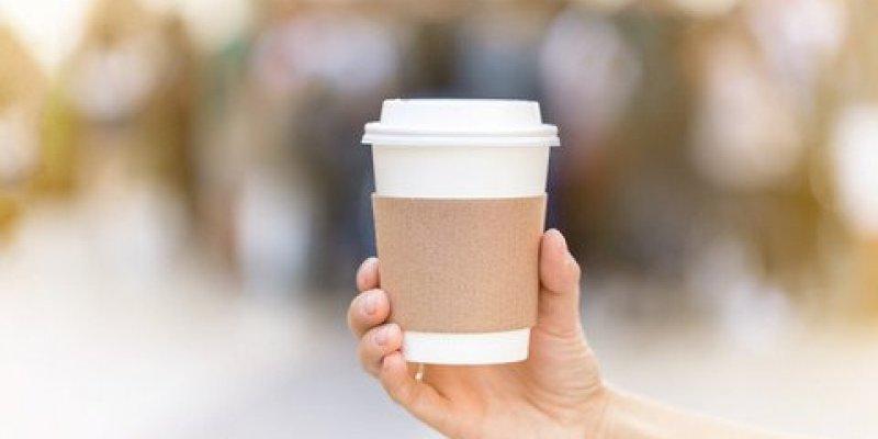 Urząd w Cork jako pierwszy zakazał używania plastikowych kubków