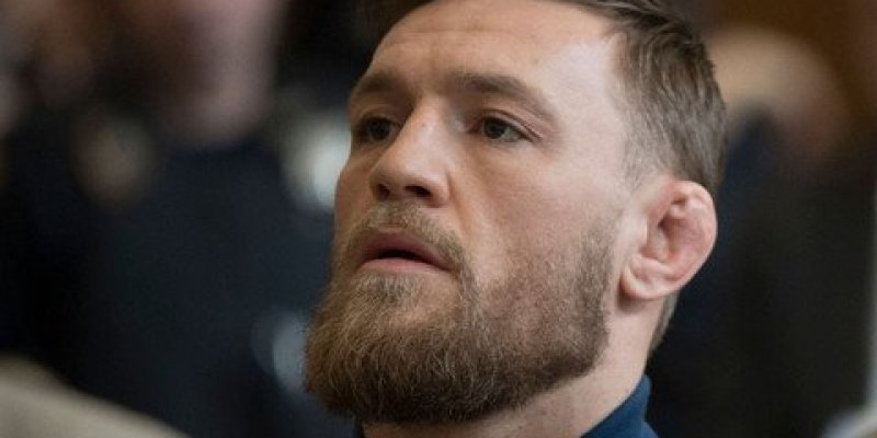 McGregor oskarżony o napaść