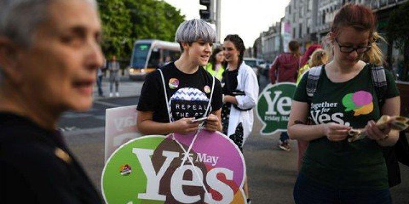 Ponad 2/3 za liberalizacją przepisów aborcyjnych w Irlandii