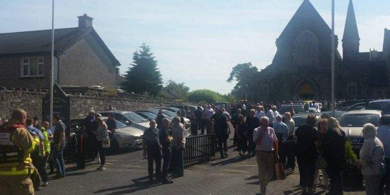 Samochód wjechał w tłum przed kościołem w Dublinie