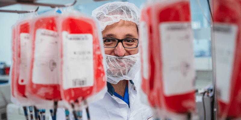 Krwawi Cudzoziemcy - Bloody Foreigners, kampania zachęcająca Polaków w Irlandii do oddawania krwi