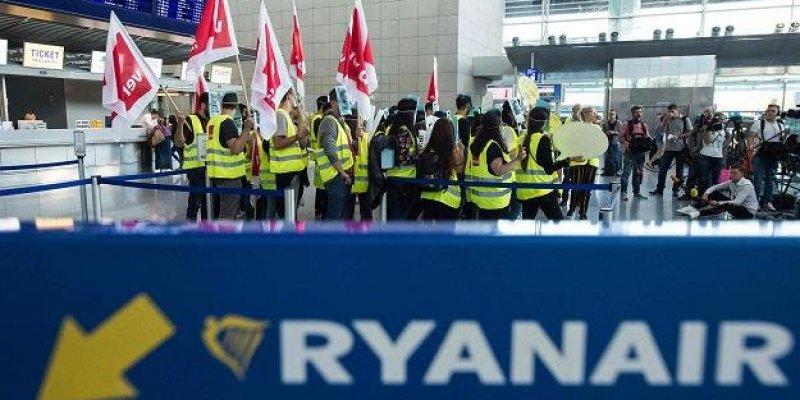 Ryanair odwołał 190 piątkowych lotów w całej Europie