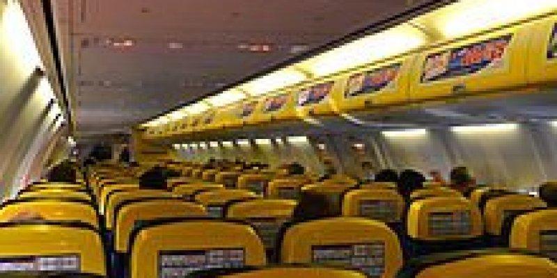 Ryanair wprowadzi opłaty za bagaż podręczny