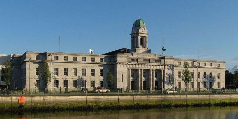 200 tys. euro Rada Miasta Cork wydała na wizytę księcia Karola