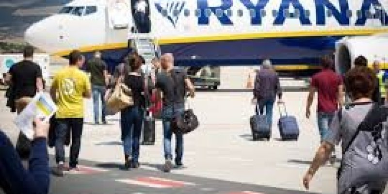 Ryanair latem znów będzie odwoływać loty