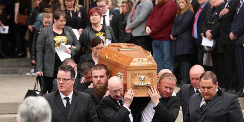 Pogrzeb zamordowanej dziennikarki w Belfaście
