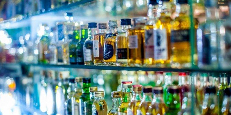 Irlandzkie kobiety w czołówce pijących alkohol