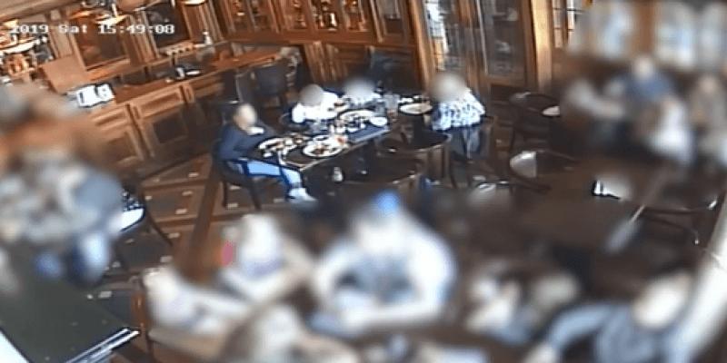 Kobieta udawała w restauracji, że się dusi