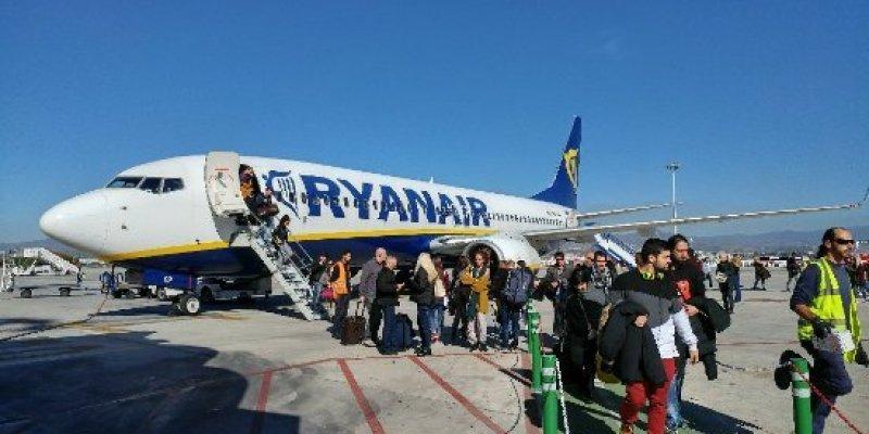 Poparzony kawą czterolatek dostanie odszkodowanie od Ryanaira