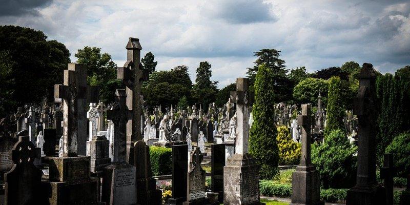 Chciał pochować syna w Polsce, ale Irlandczycy zrobili to u siebie bez jego zgody