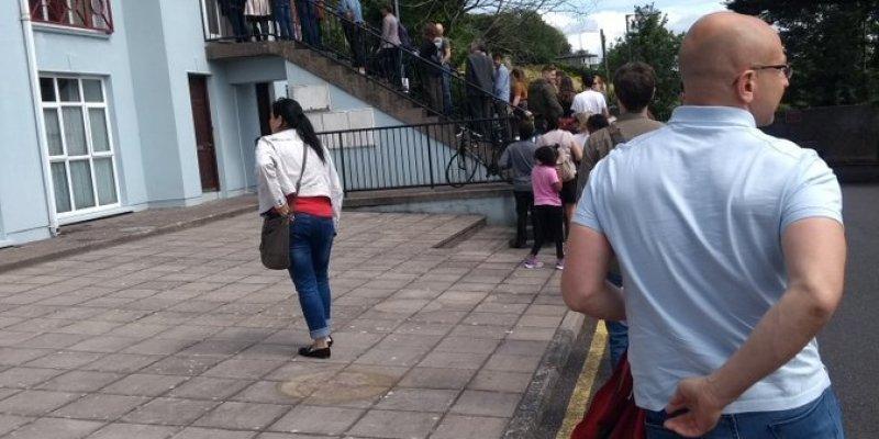 Zdjęcie studenta z Cork pokazuje skalę kryzysu mieszkaniowego