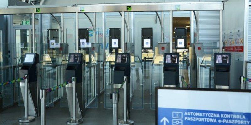 Ryanair od marca oferuje połączenia z lotniskiem Warszawa Modlin