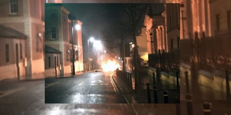 Nieudany zamach zwolenników zjednoczenia Irlandii