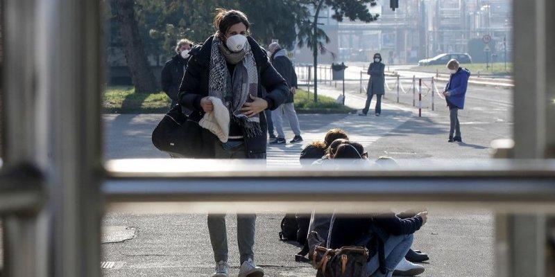 Cztery przypadki koronawirusa w Wielkiej Brytanii, we Włoszech ponad 100