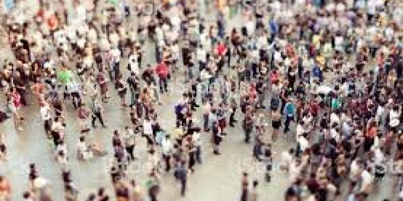 Do konca sierpnia zakaz zgromadzeń powyżej 5 tys. osób