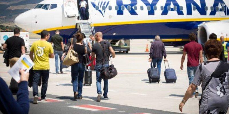 Ryanair nie odwoła lotów do i z Wielkiej Brytanii mimo kwarantanny