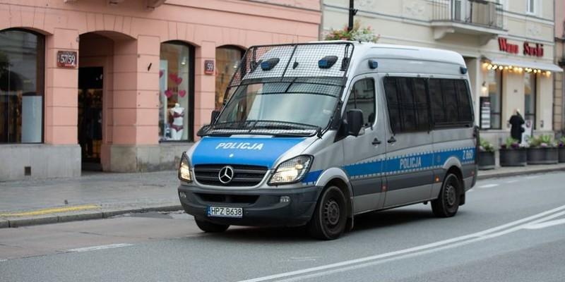 W Polsce jednak bez kar za przemieszczanie się podczas sylwestra
