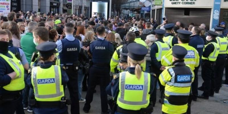 Protest w Cork przeciwko restrykcjom