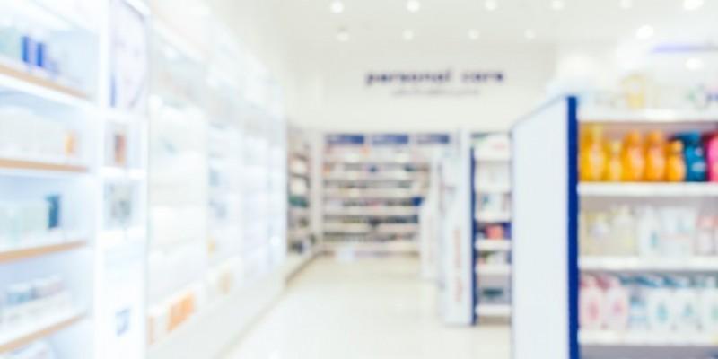 Dwie trzecie aptek w Irlandii Płn. podaje szczepionkę