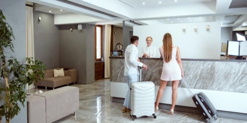 10 przypadków zarażeń wśród osób na kwarantannie hotelowej
