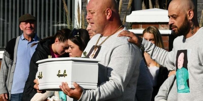 Pogrzeb niemowlaka zamordowanego w Irlandii Płn.