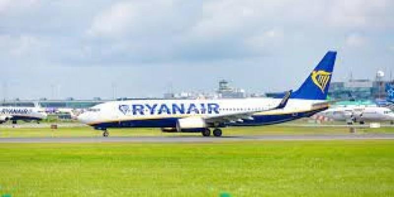 Ryanair z czterema nowymi połączeniami, rezerwacje do dziś do północy