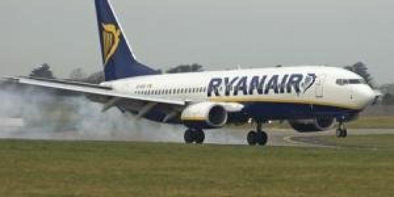 Ryanair podnosi opłaty za bagaż