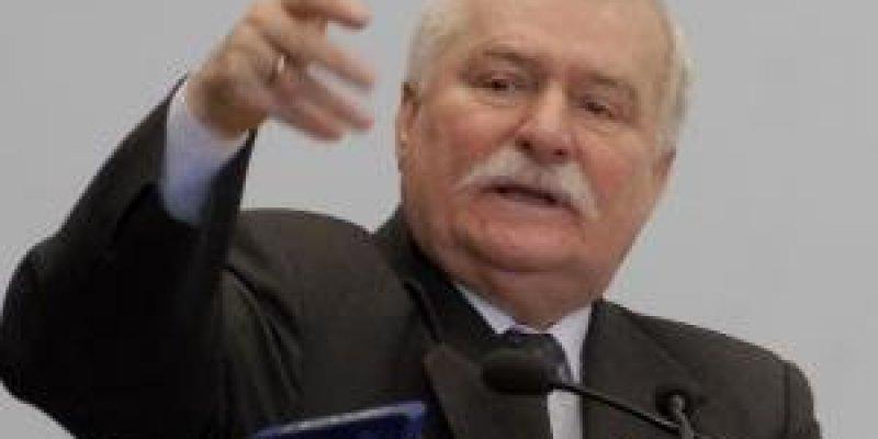 Lech Wałęsa jedzie do Irlandii