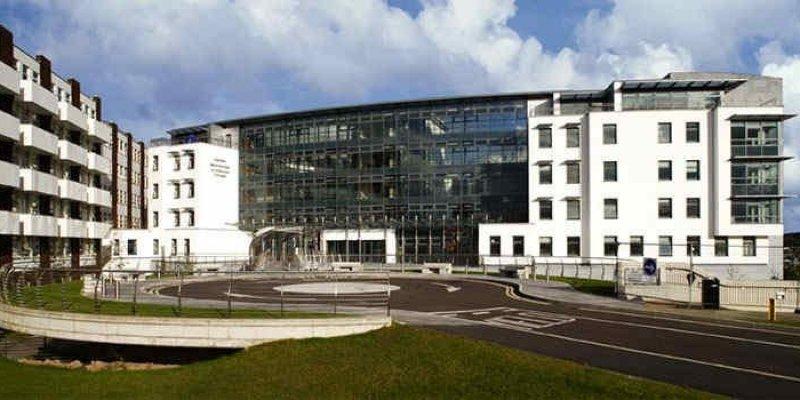 50 - ciu pracowników personelu Szpitala w Cork zwolnionych?!
