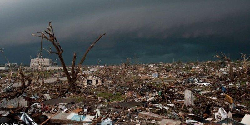 Najbardziej śmiercionośne tornado w Ameryce od 64 lat!