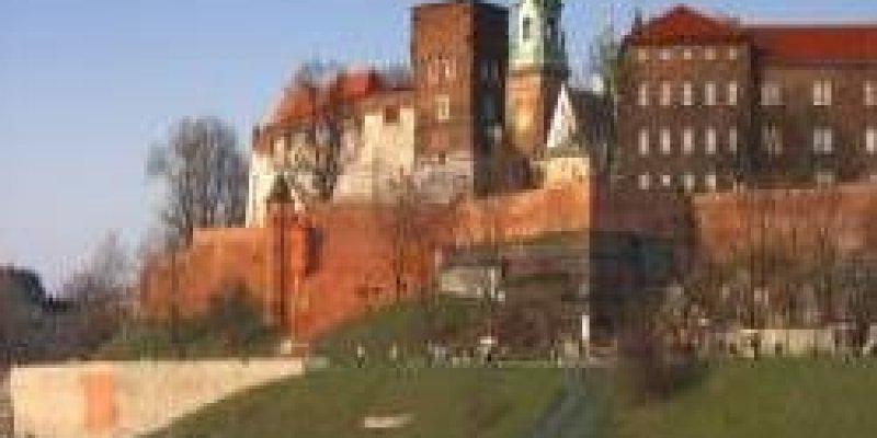 Nie dla pochówku L. Kaczyńskiego na Wawelu