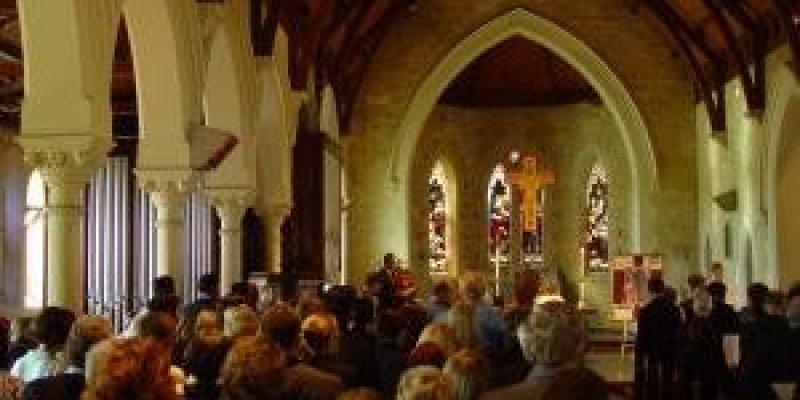 Biskupi o świńskiej grypie: Możliwe, że zamkniemy kościoły